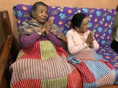 warme Decken für unsere Seniorinnen