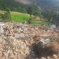 Die Helfer erreichen Thangpaldhap ein Dorf in Sindhupalchwok