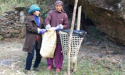 Müllprojekt in Tatopani