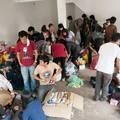 Zu viele Freiwillige für die Lagerhalle
